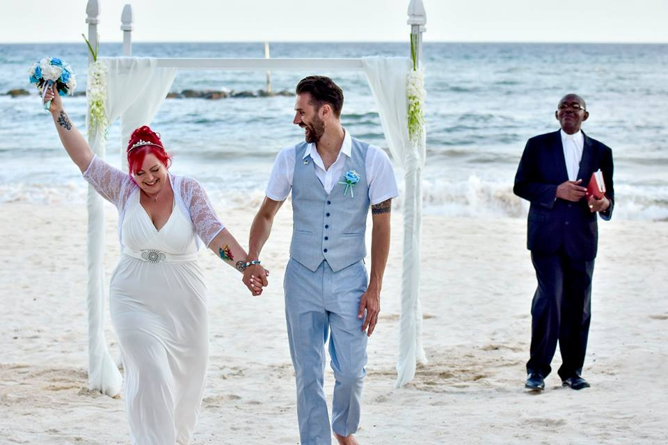 Britt and Tim get married at Sandals Royal Barbados